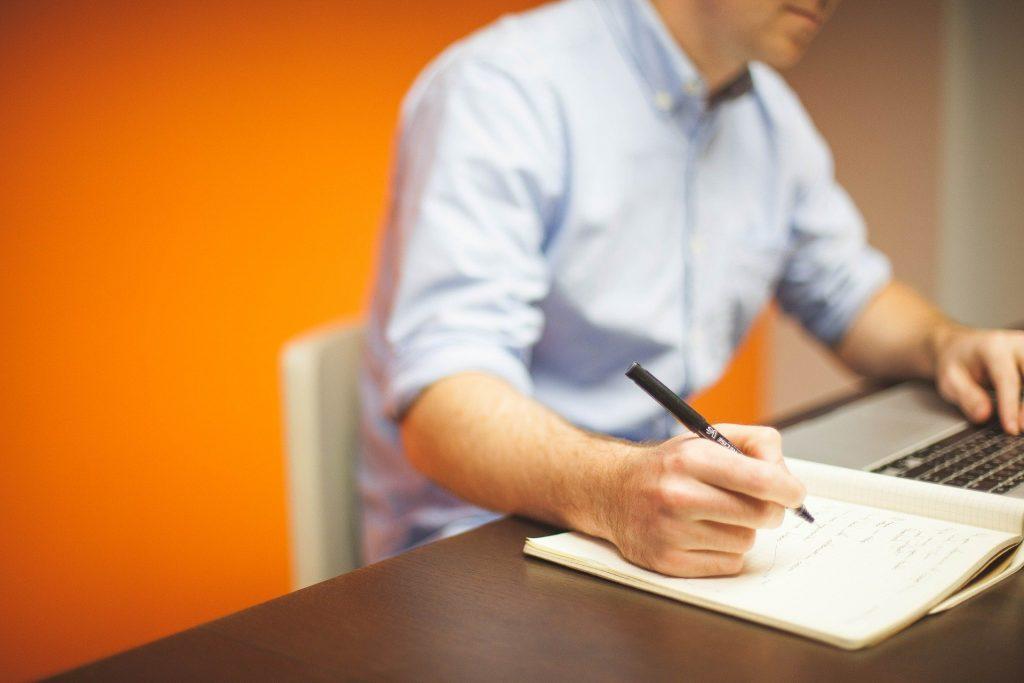 Wat is het verschil tussen traditionele marketing en online marketing?